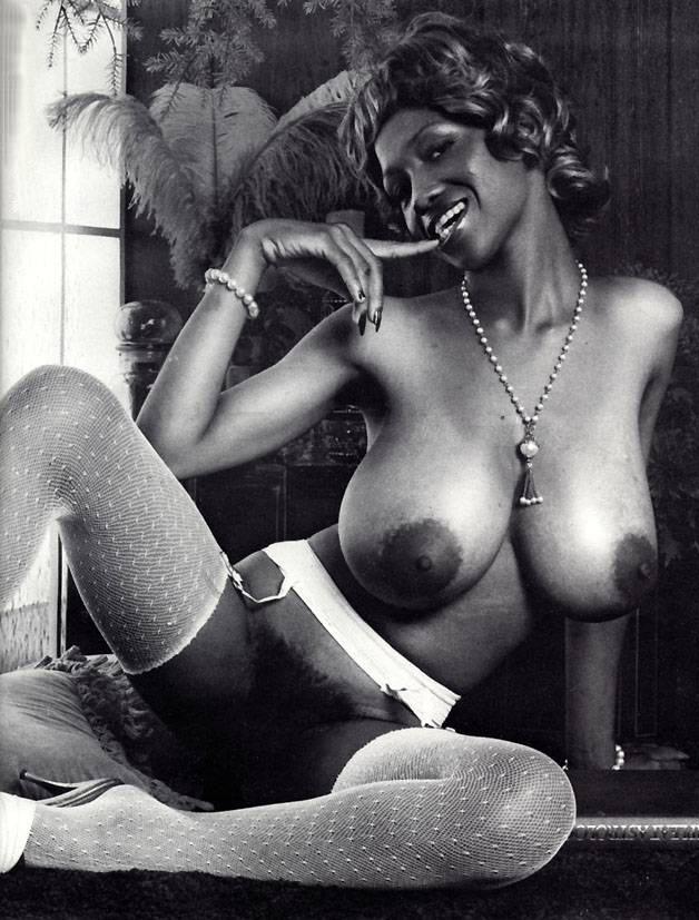 02 Oldschool Ebony Model Sylvia McFarland.jpg