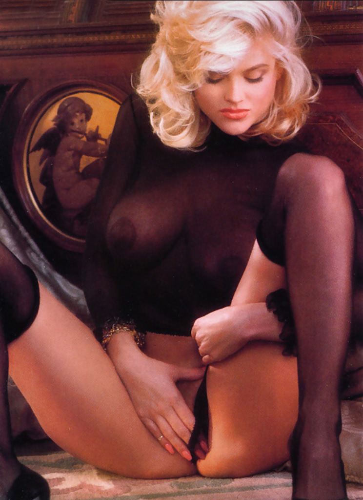 Anna Nicole Smith 21 Playboy 1992.jpg