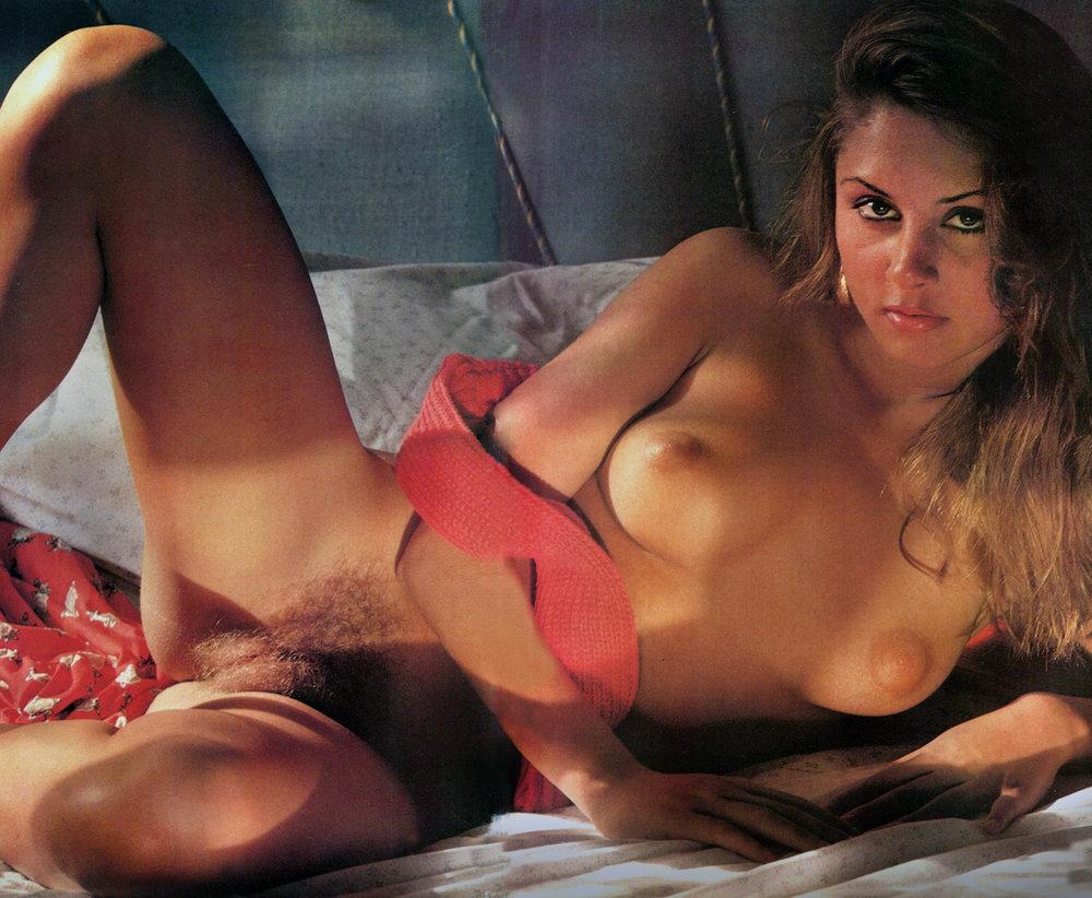 03 Klara Club Magazine (Brazil) 1982 b.jpg