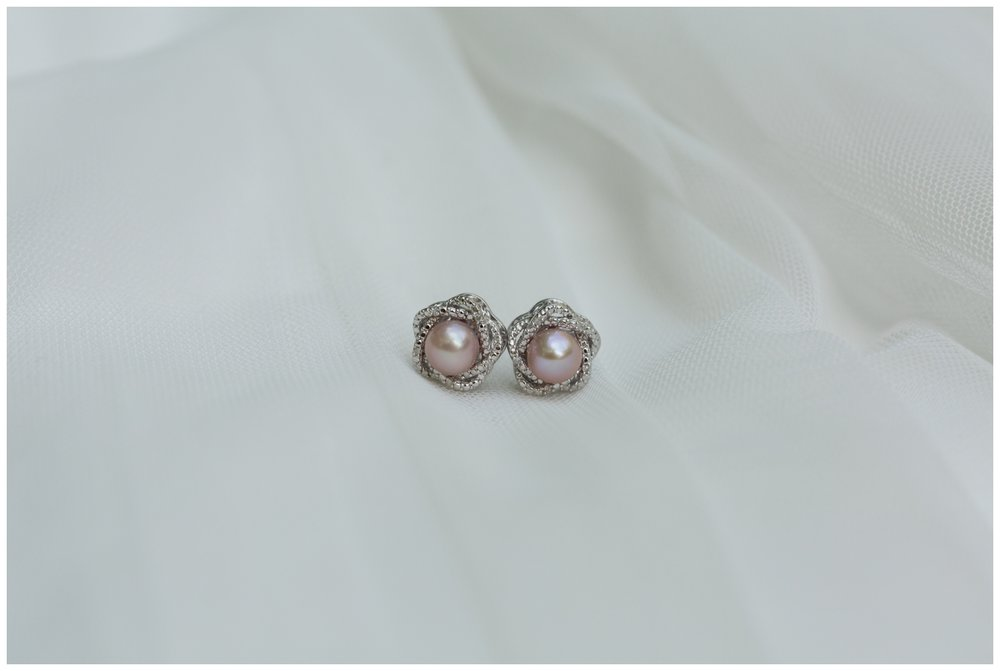 Bride's earrings for a fall elopement in Virginia