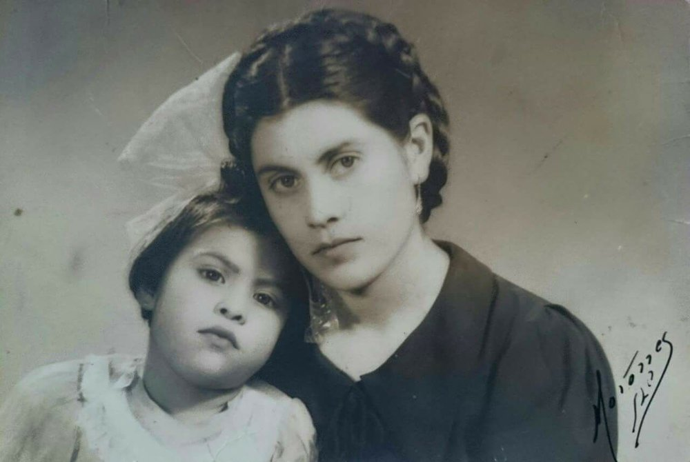 photo of Alyssia Muñoz's abuela y bisabuela