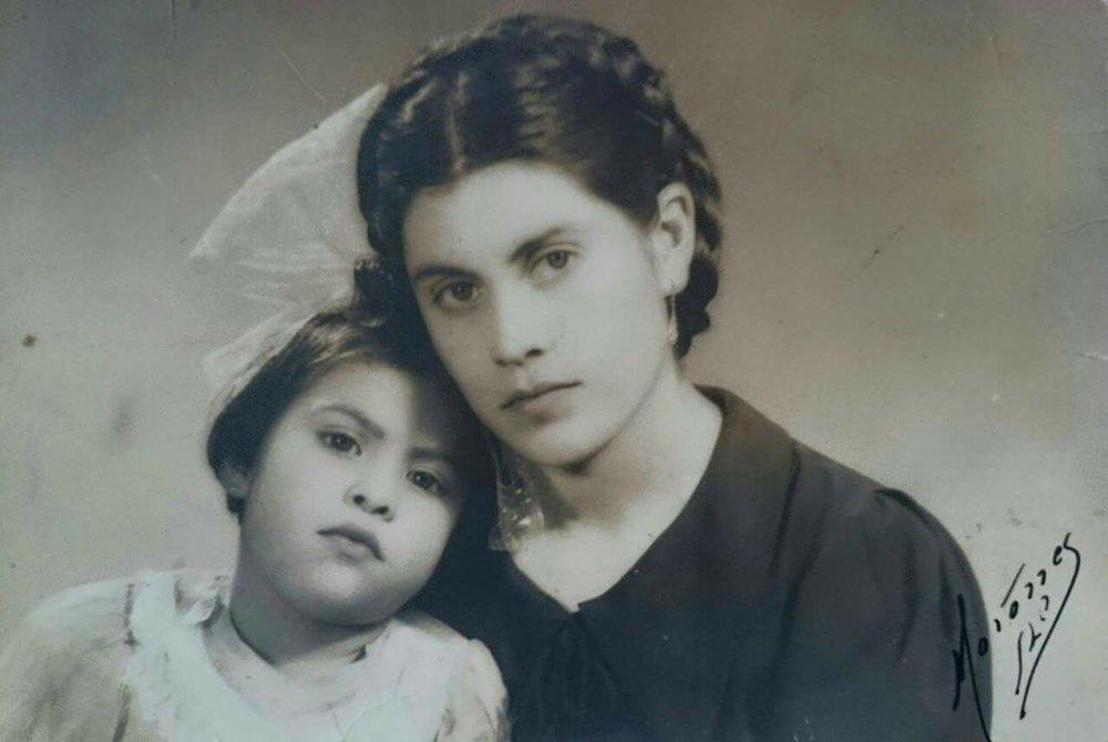 photo of Alyssia Muñoz's abuela y bisabuela