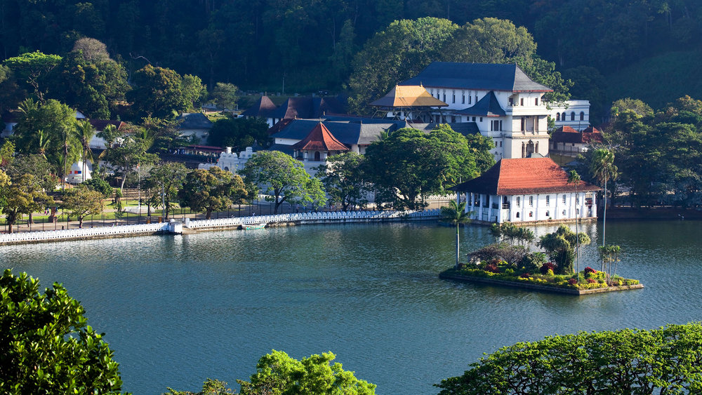 The Colonial City of Kandy and the Temple of the Tooth