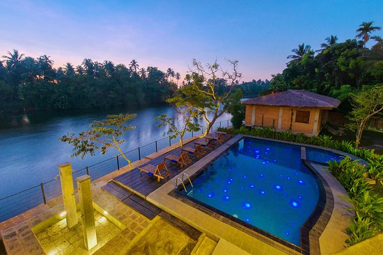 The Tranquil pool and lagoon of Karunakarala Spa 30 min from the airport