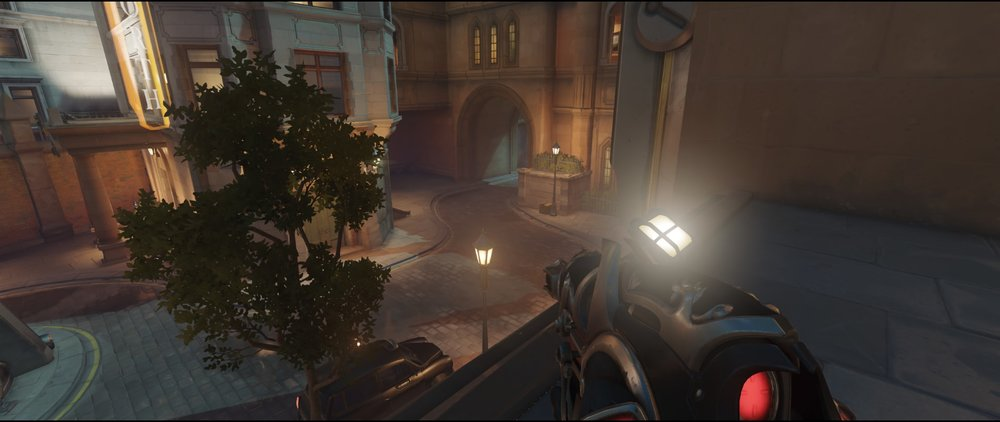 Flank first point defense Widowmaker Kings Row Overwatch.jpg