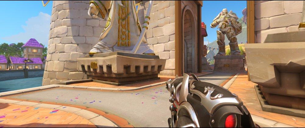 Left side statue attack sniping spot Widowmaker Blizzard World Overwatch.jpg