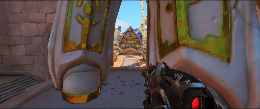 Statue view entrance defense sniping spot Widowmaker Blizzard World Overwatch.jpg
