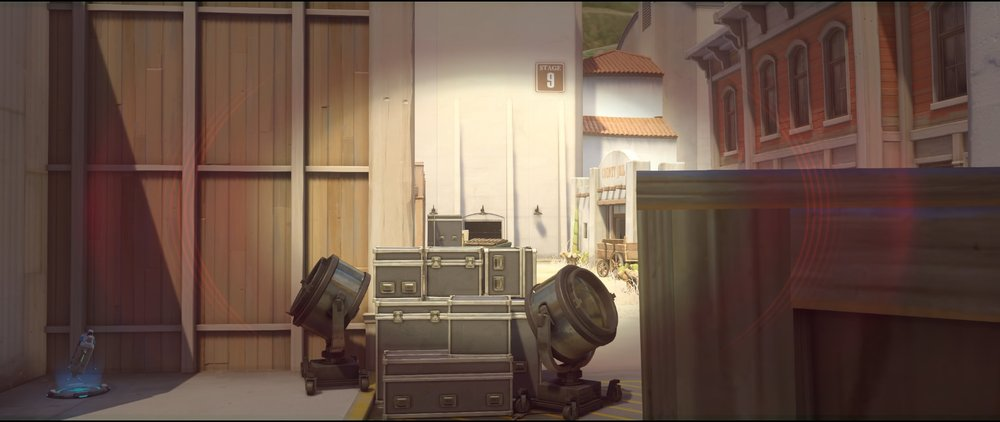 Alley to Door offense Widowmaker sniping spots Hollywood Overwatch.jpg