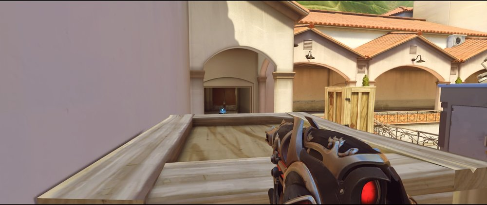 Side view attack third point Widowmaker sniping spot Hollywood Overwatch.jpg