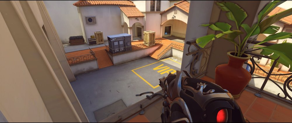 Balcony third point view defense Widowmaker sniping spot Hollywood Overwatch.jpg