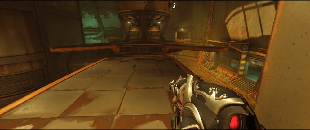 Ledge attack Widowmaker sniping spot Junkertown.jpg
