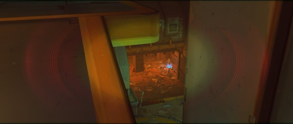 Balcnony view to below Platform defense Widowmaker sniping spot Junkertown.jpg