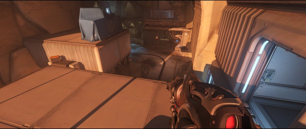 Overlook box attack sniping spot Widowmaker Watchpoint Gibraltar.jpg