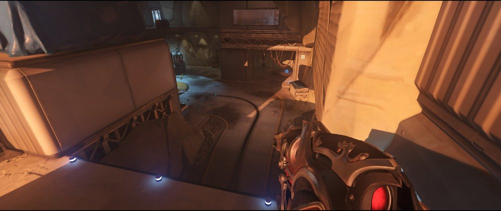 Overlook attack sniping spot Widowmaker Watchpoint Gibraltar.jpg