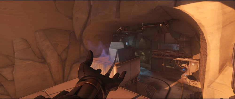 Overlook to perch attack sniping spot Widowmaker Watchpoint Gibraltar.jpg