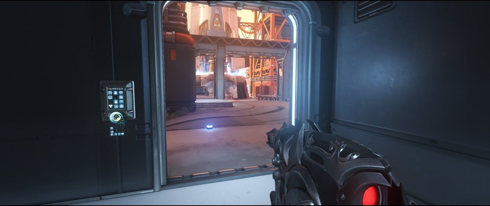 Courtyard ground level left attack sniping spot Widowmaker Watchpoint Gibraltar.jpg