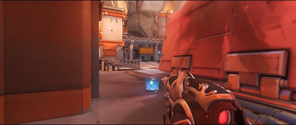Left side edge defense sniping spot Widowmaker Watchpoint Gibraltar.jpg