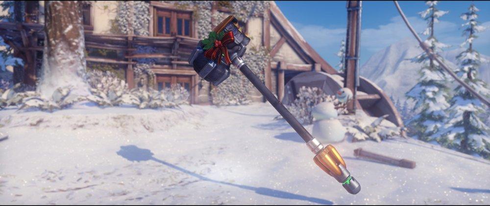 Festive hammer front epic skin Reinhardt Winter Wonderland.jpg