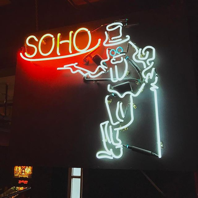 Unofficial mascot perhaps? #neon #soho #vancouver #yvr #yaletown #billiards
