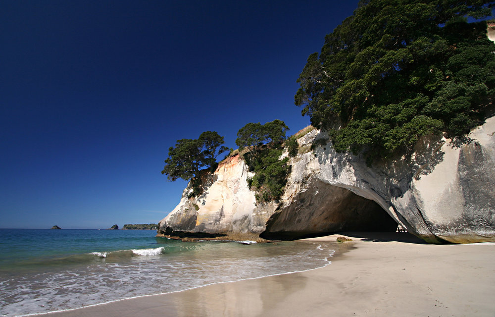 cathedral-cove-beach.jpg