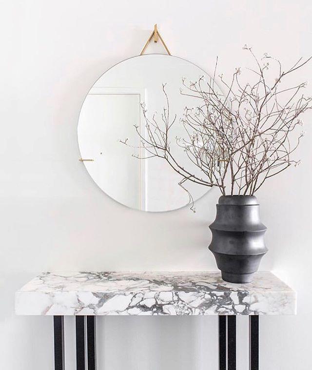 A beautiful photo by @studiogild featuring Miri Mara's Modena vase in black satin glaze #mirimaraceramics #studiogild #interiordesign #modena #italianceramics #madeincalifornia #ceramicvessels #carpinteria #ceramicsculpture #functionalceramics
