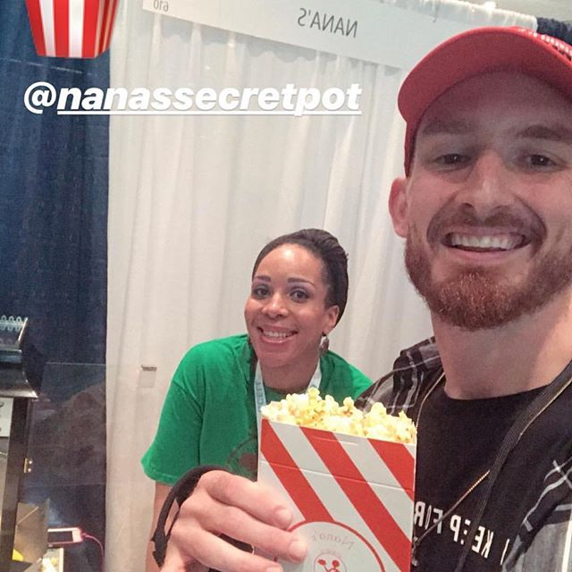 Looks like we have a new friend!! Thanks @robbiemaxx for stopping my and grabbing a box of our Signature Potcorn!! We hope you enjoy it as much as we love making it ☺️ #cwcbexpo #cannabis #cbd #newyorkcity