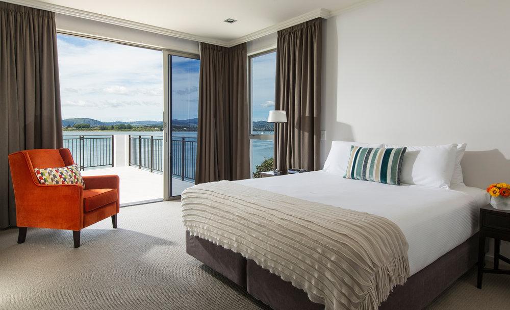Trinity Wharf Tauranga Accommodation_Harbour View Three Bedroom Apartment_master bedroom029.jpg