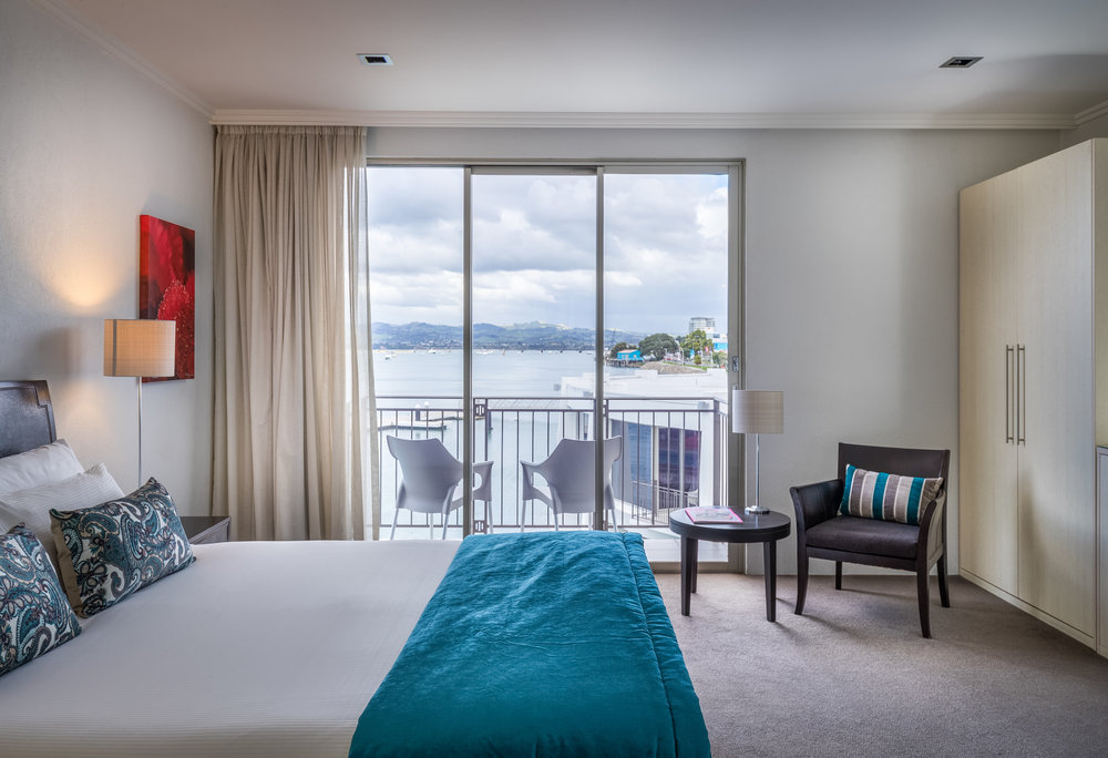 Harbour Deluxe Spa Guestroom_TrinityWharf_April2017-120.jpg