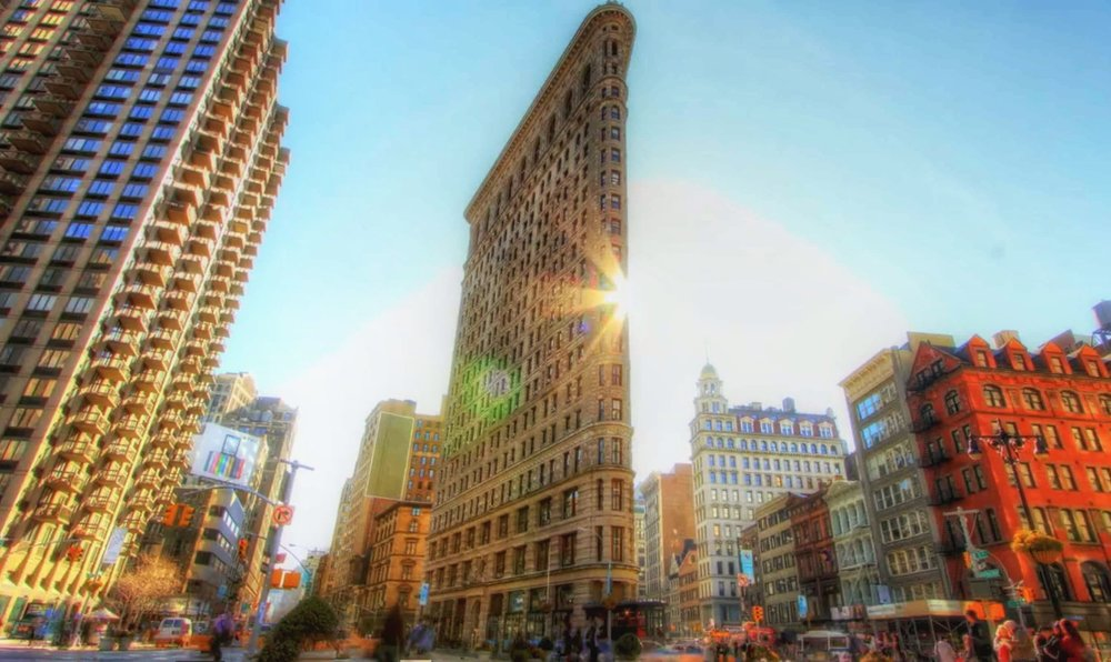 the unique shape of the flatiron building