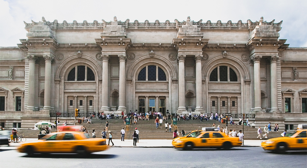 the metropolitan museum main entrance. Photo: lucas compan