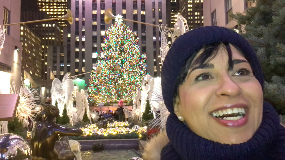 la Piccola having fun and laughing a lot at the Rockefeller Center, after watching the Christmas Lights Spectacle at Sak's Fifth Avenue