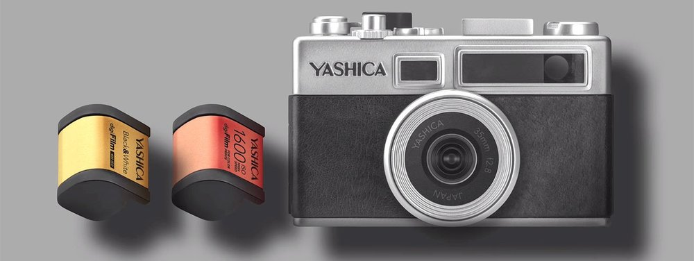 This week, Yashica arose from the dead and announced the Y35 and companion digiFilm accessories. All Y35 product images in this article are ©Yashica, and are not taken or owned by That Vintage Lens.