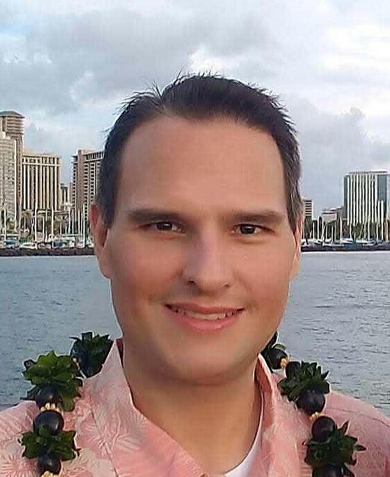 Justin Gruenstein headshot.jpg