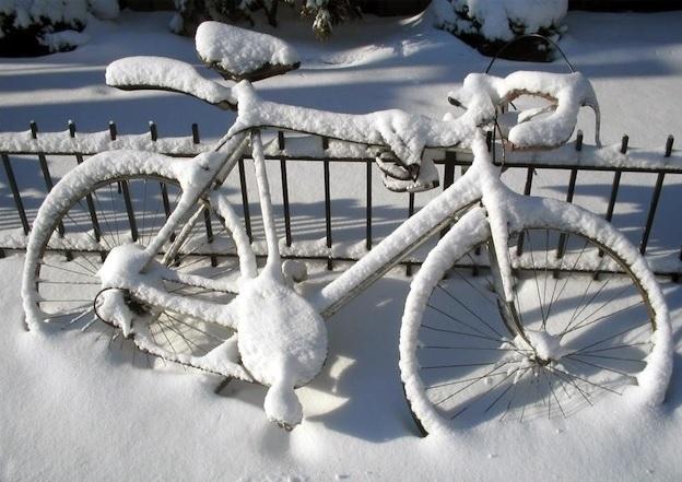 Fiets-in-sneeuw1.jpg