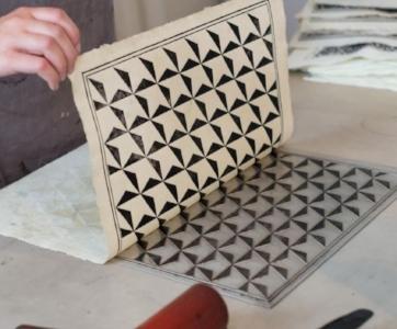 Une technique d'impression de papier dominoté