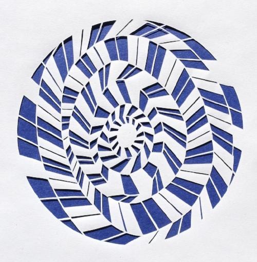 Kirigami - Cousin de l'origami, le kirigami est un art japonais qui consiste à découper le papier (en japonais,