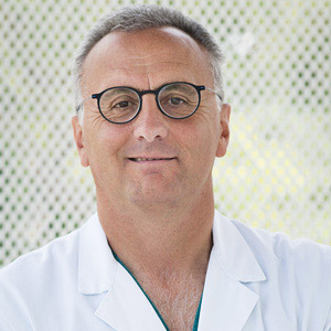 dottor-stefano-di-gennaro-Medici-Villa-Stuart.jpg