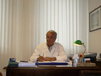 dottor-paolo-ernesti-Medici-Villa-Stuart.jpg