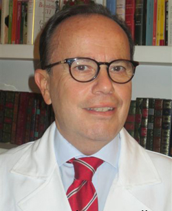 dottor-sandro-mazzella-Medici-Villa-Stuart.jpg