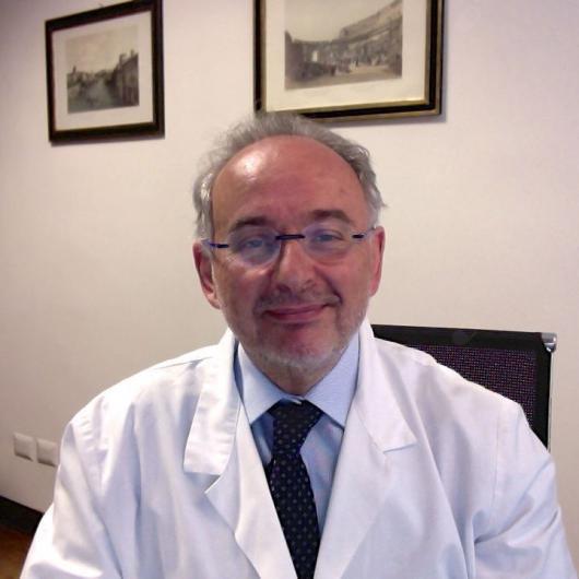 professor-eliseo-pironti-Medici-Villa-Stuart.jpg