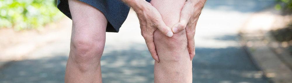 villa-stuart-servizi-ortopedia-ginocchio-anziano.jpg