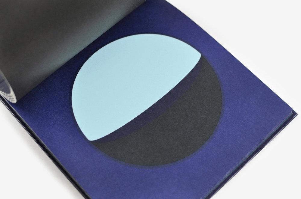 ununliving dans-la-lune-fanette-mellier-editions-du-livre-11.jpg
