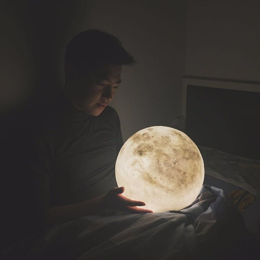 #lunalamp #月球燈luna #月亮燈#acornartstudio  photo by @marcchow