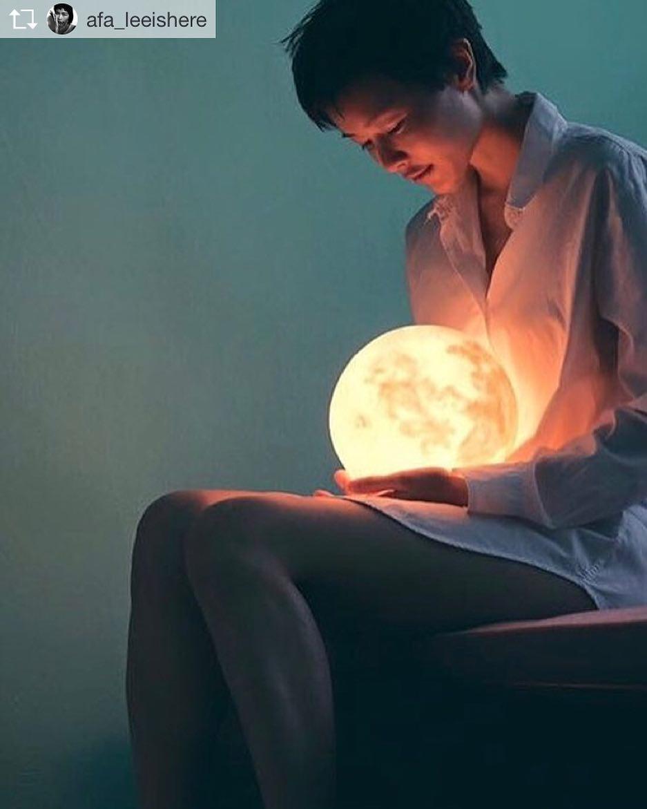 #lunalamp #月球燈luna #月亮燈#acornartstudio  photo by @afaleeishere