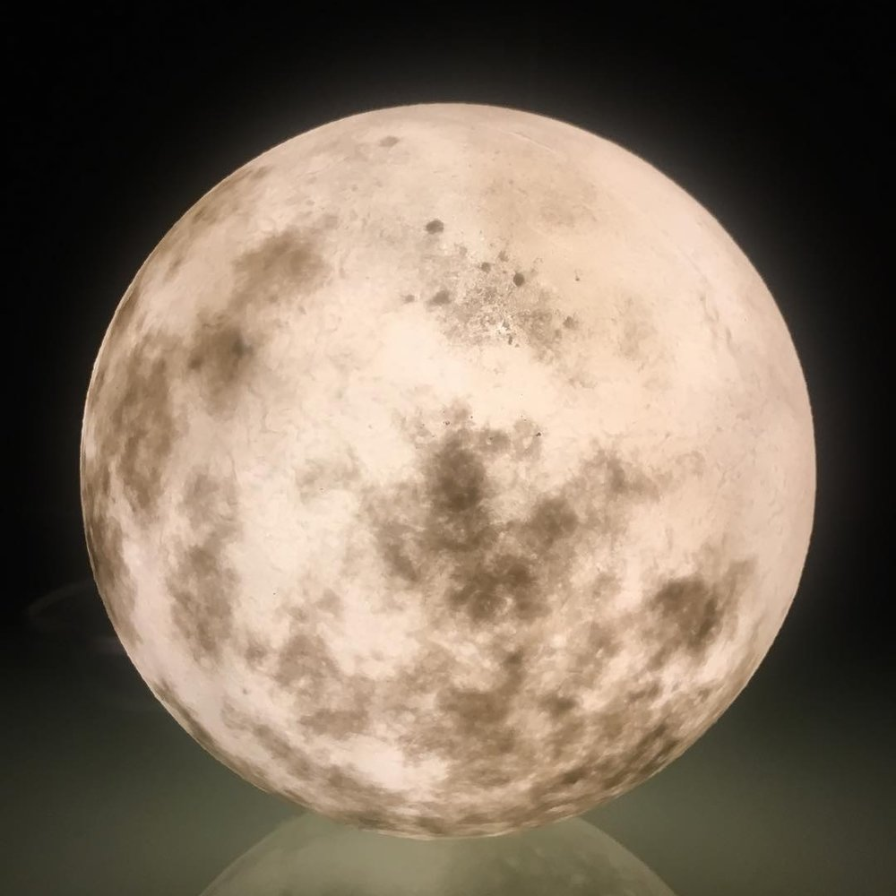 #lunalamp#月球燈luna #月亮燈#acornartstudio  photo by@shellessgirl