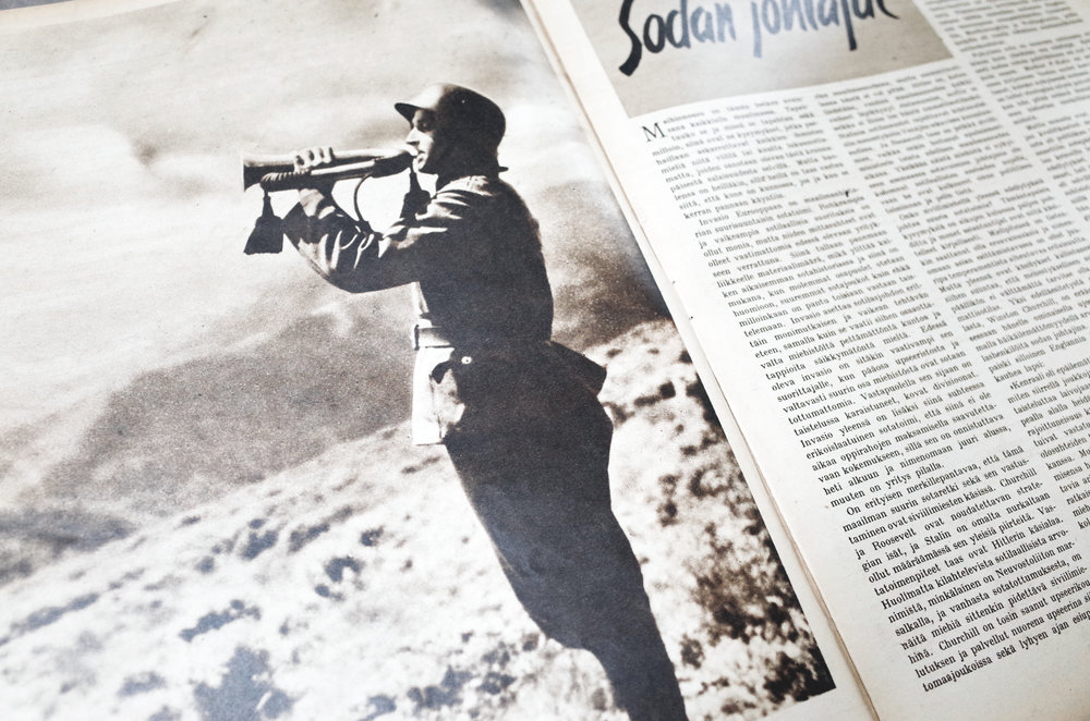 1 SUOMEN KUVALEHTI (1946) - 在HELSINKI 的一間古書店找到這本第二次世界大戰期間出版的雜誌。雖然我看不懂芬蘭文,但裡面的記錄了1939年到1945年芬蘭分別與蘇聯和納粹德國戰爭時的照片和報導都具收藏價值。