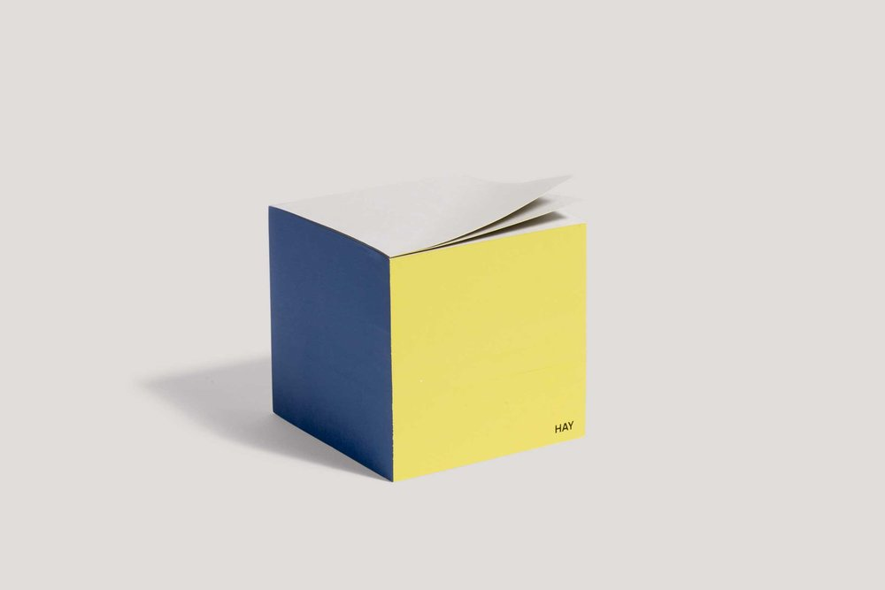 unun_hay_Paper-Cube-blue_WB.jpg