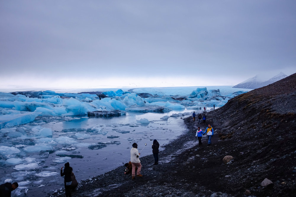 Glacier lagoon dari atas bukit
