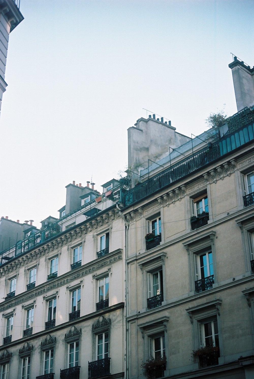Han Valentine | Graphic Design | Paris | Photography