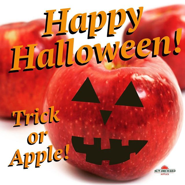 Wishing everyone a fun and SAFE Halloween! Usually today is all about the candy but it's always a good idea to TREAT yourself to an apple! #halloween #apples #trickortreat